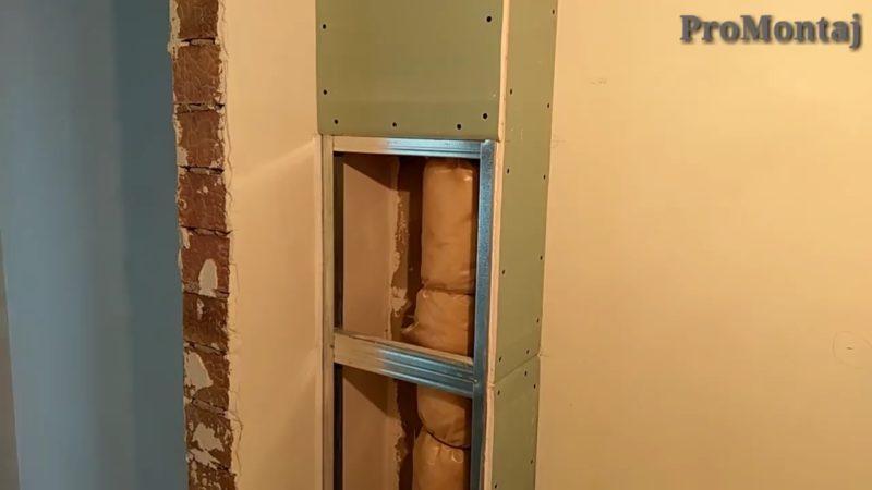 Насколько нужен съёмный короб для труб в ванной?
